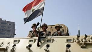 Soldados en El Cairo