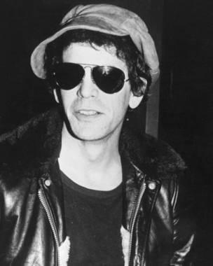 Lou Reed con lentes oscuros