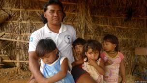 Família xavante no MT
