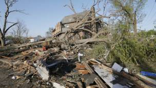 Daños materiales provocados por el tornado