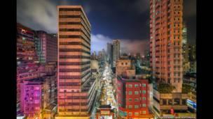 Los largos mercados nocturnos de Temple Street en Jordan, un área del Yau Tsim Mong