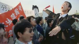 Manifestantes a favor d ela democracia en la plaza de Tiiannmen.