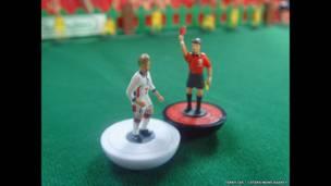 DAVID BECKHAM SENT OFF (David Beckham expulsado) VERSUS ARGENTINA, WORLD CUP, JUNE 30, 1998. Terry Lee / Caters News Agency