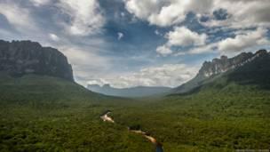 Los tepuyes en la frontera entre Venezuela y Brasil