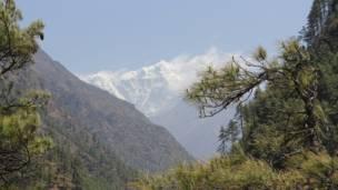 लुकला के नजदीक की पहाड़ी