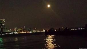 Luna en Nueva York. Jahnavi Utukuri