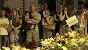 Vigilia en la embajada de Holanda en Kiev.