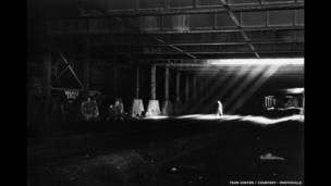 Luz solar de Gente del túnel. Foto: Teun Voeten