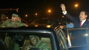 Fidel Castro y Hugo Chávez. Foto: AP