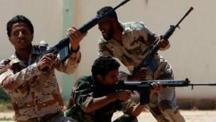 Soldados en Bengasi
