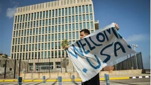 La apertura de la embajada de EE.UU. en La Habana fue un símbolo clave para restablecer las relaciones dipomáticas.