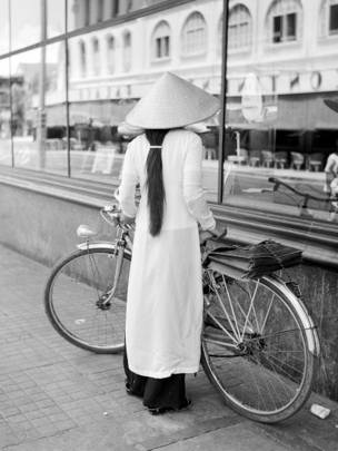 Cô gái Sài Gòn, năm 1956