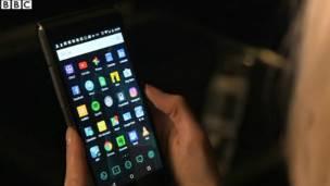 La periodista de BBC Click Lara Lewington tuvo la oportunidad de probar el dispositivo.