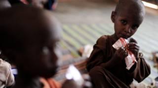 Niños malnutridos en Kenia
