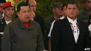 Foto de archivo de Chávez y Correa