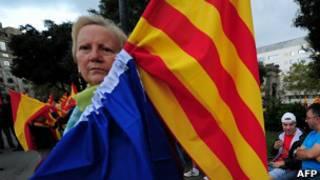 Mujer en una manifestación en Barcelona