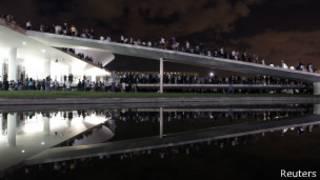 Manifestantes no Congresso Nacional em Brasília (foto Reuters)