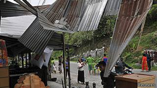 Casa dañada por terremoto