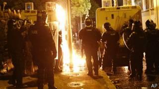 Policías en Belfast