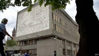 Mural de Picasso em Oslo (AFP)