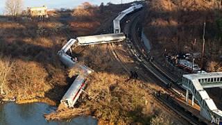 Kereta anjlok di New York