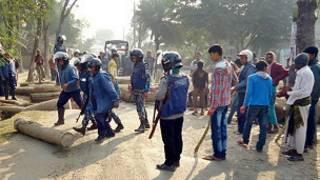 131230114856_shatkhira_violence_filephoto_304x171_bbc_