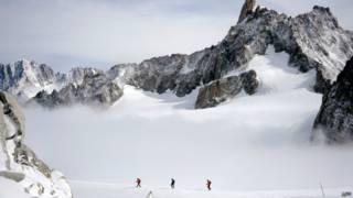Alpinistas na região de Mont Blanc, na França (foto: AFP)