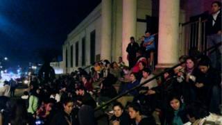 Evacuação após terremoto no Chile   Crédito: AFP