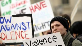 protesta en Iowa por la violencia sexual