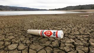 Tierras secas y agrietadas