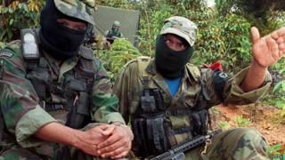 Dos miembros del ELN en una imagen del 18 de abril.