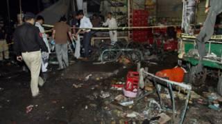 Ledakan di halte bis Pakistan, setidaknya 10 tewas - BBC Indonesia