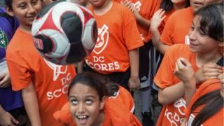 Sepakbola AS akan melarang menyundul buat pemain U-10 – BBC Indonesia