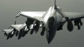 151115220321_aviones_de_guerra_franceses