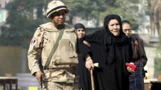المصريون يواصلو  الإدلاء بأصواتهم في المرحلة الثانية والأخيرة