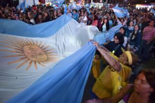 151123152456_sp_argentina_comemoracao_62