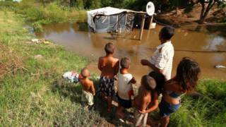 151224202931_argentina_inundaciones_evac