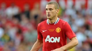 Eks kapten MU Nemanja Vidic pensiun dari sepak bola – BBC Indonesia