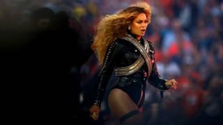 La artista de pop Beyoncé en su actuación en el Super Bowl