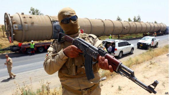 Боец курдского ополчения