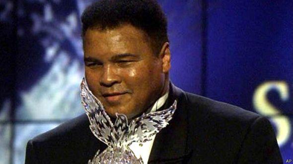 http://ichef-1.bbci.co.uk/news/ws/590/amz/worldservice/live/assets/images/2014/11/25/141125165454_muhammad_ali_world_sports_award_of_the_century_624x351_ap.jpg