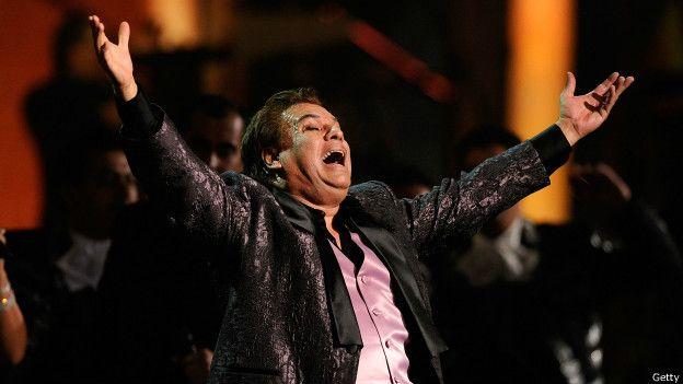 Juan Gabriel, en un concierto en 2009