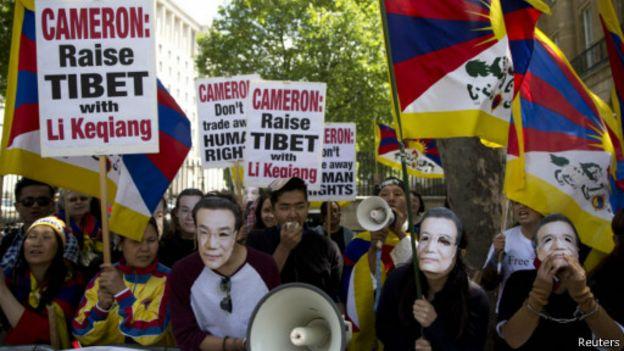 中國總理李克強訪英期間曾遭遇西藏人權人士示威。