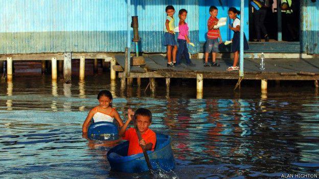 Palafitos (casas sobre el agua) en el Lago de Maracaibo