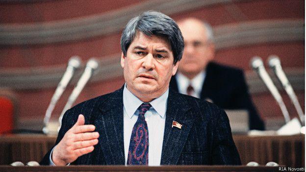 Народный депутат СССР Юрий Афанасьев (1990 год)
