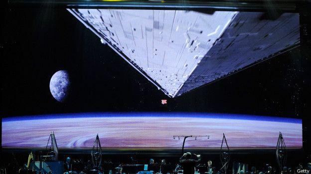 http://ichef-1.bbci.co.uk/news/ws/624/amz/worldservice/live/assets/images/2015/05/04/150504114154_guerra_galaxias_celebracion_efectos_624x351_getty.jpg