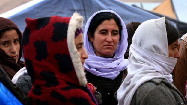 نساء إيزيديات