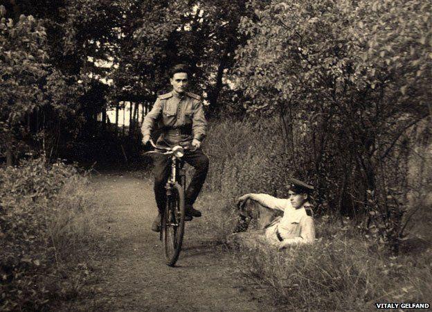 Владимир Гельфанд на велосипеде