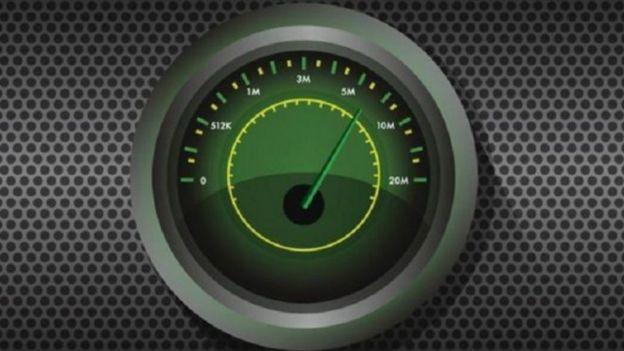 ديفيد كاميرون يتعهد بخدمة إنترنت فائق السرعة بحلول 2020 في بريطانيا