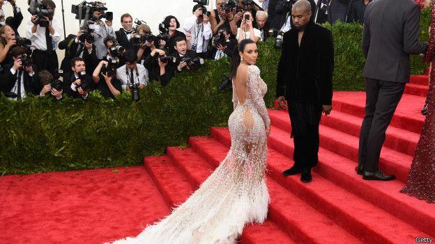 Kim Kardashian en alfombra roja